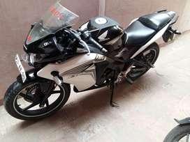 Honda CBR 150R 2014 model
