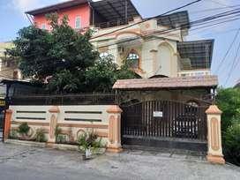 Rumah Villa Hook Inti Kota Jl Kangkung dekat Hayam Wuruk/Iskandar Muda