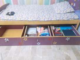 Pink baby bed with 3 drawer and cupboard for kidz