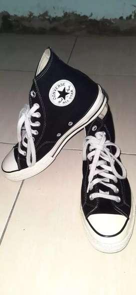Sepatu convrse s70