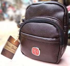 (BRAND NEW)COMPACT SLING BAG