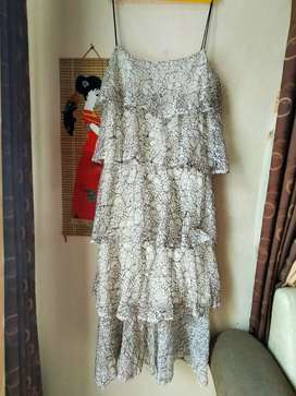 WHITE DRESS BRUKAT