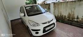 Hyundai i10 White With Good Performance Engines