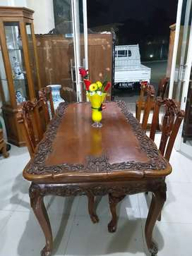 Meja makan kayu jati ukir 4 kursi