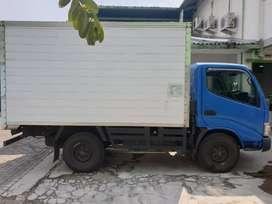 Truk Dyna 110ST Box 2011 Kondisi Istimewa