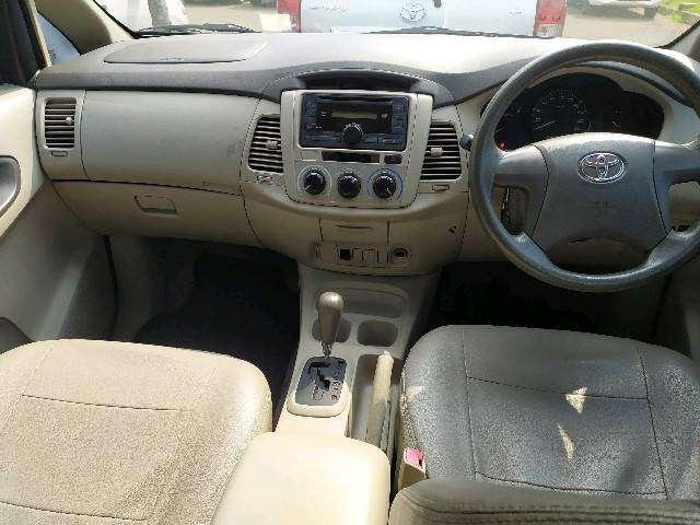 Toyota Innova E AT 2014 0