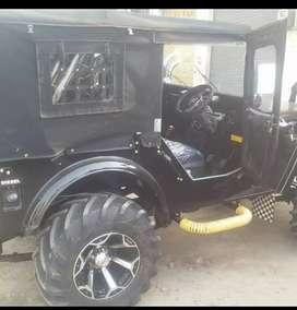 Modified black jeep