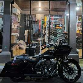 Harley Davidson Roadglide 2015 fullspec not SG/48/Iron/softail/fatboy