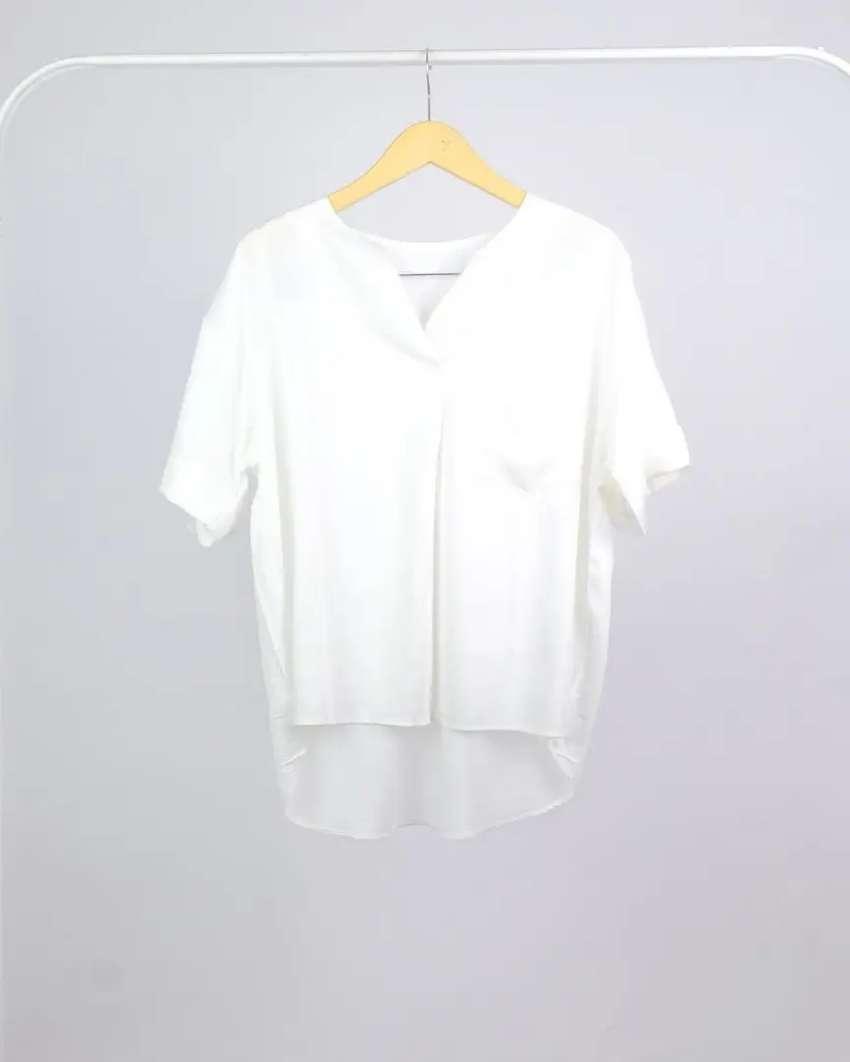 Blouse Wanita Ready Warna Putih