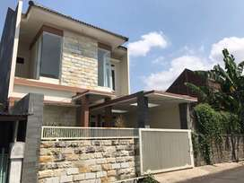 Rumah Sulfat 2 Lantai Strategis Siap Huni Malang