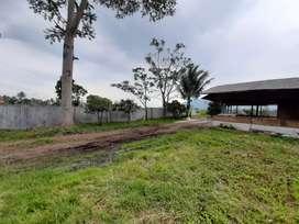 Tanah dan bangunan villa + kolam ikan