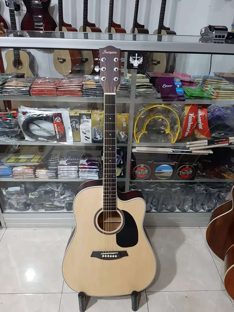 Gitar akustik scorpion 0