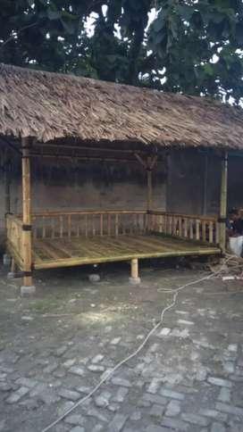Saung bambu spesialialis