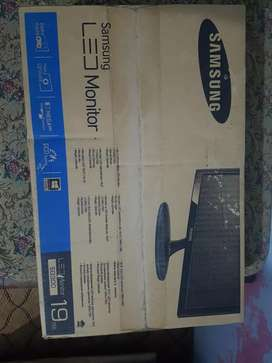 Samsung LED Monitor 19""