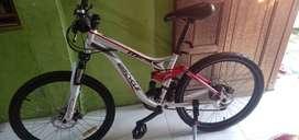 Sepeda MTB fullsus wimcycle 24