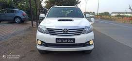 Toyota Fortuner 4x4 Manual Limited Edition, 2015, Diesel
