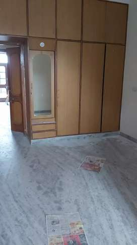 Facing park 2 bhk f floor for family