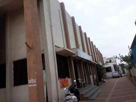 Super 1500 sq shop is available on rent