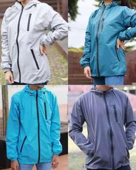 Jaket outdoor waterproof dijamin 100%!!