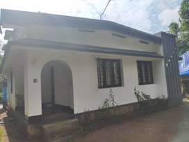 Land with house for sale in perambra thrissur