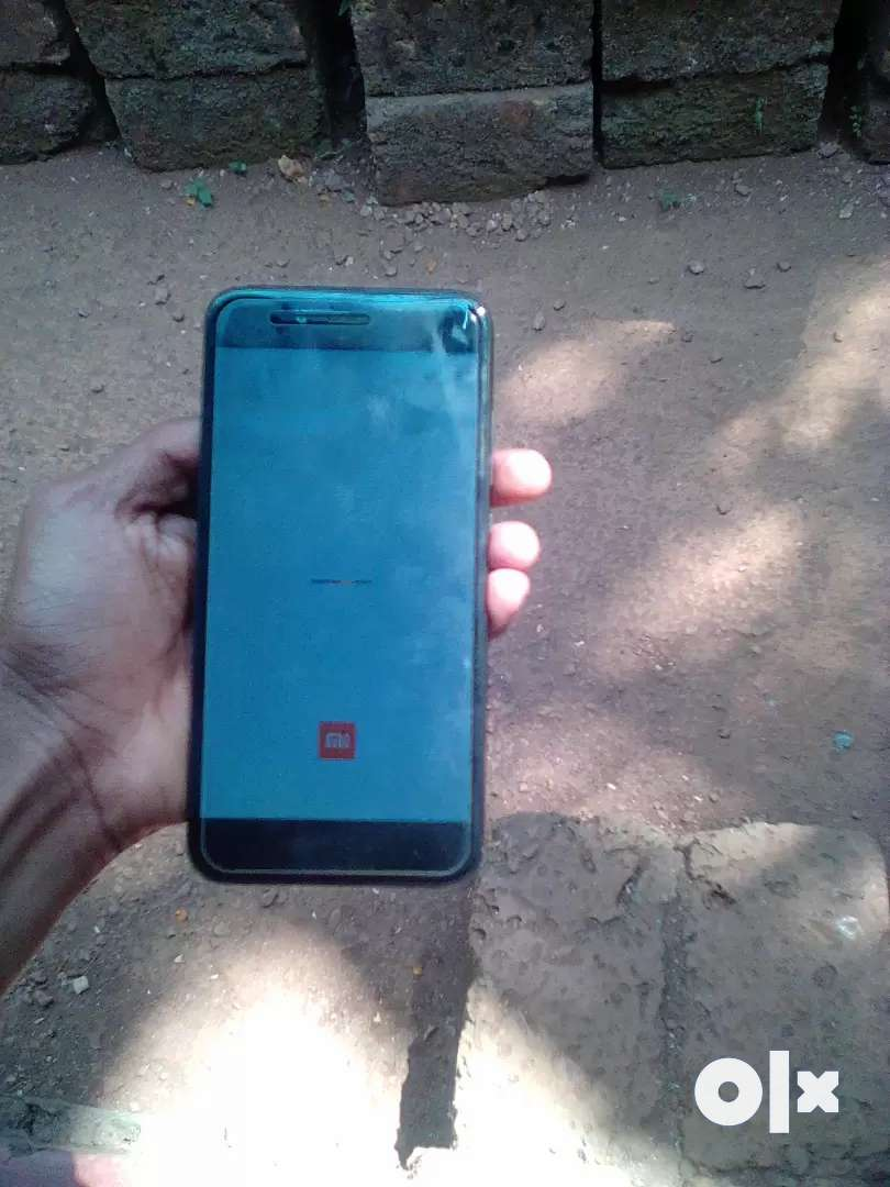 Mi A1 black,good condition,not charger only mobil best portrait camera 0