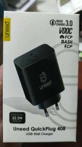 Uneed UCH408 QuickPlug Fast Charge [VOOC 3.0/ Dual Engine/ QC 3.0]