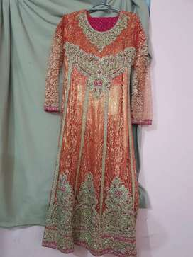 Ye dress 2 se 3 bar used kiye hai new condition. Different prices