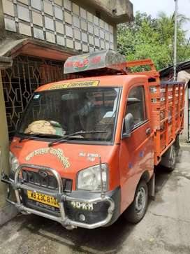 Mahindra vehicle in running and very good condition