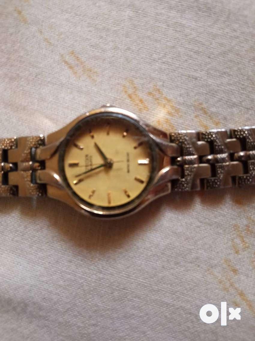 Citizen quartz wrist watch ladies 0