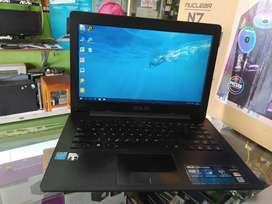 Dijual laptop slim siyab pake