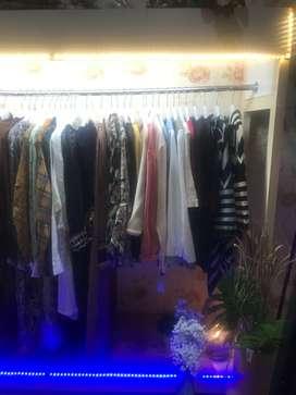Jual bufet butik gantungan baju