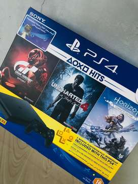 2month used Sony ps4 500gb with 1 controller with 5 discs