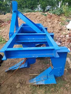 New 5 moelt tractors