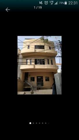 triple story building for rent in gulberg lahore