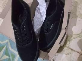 Sepatu ardiles full black baru