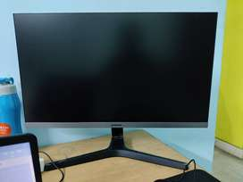5 months old Samsung 24 Inch FHD Monitor is on sale