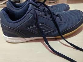 Sepatu futsal umbro street V 2nd uk44 jarang pakai