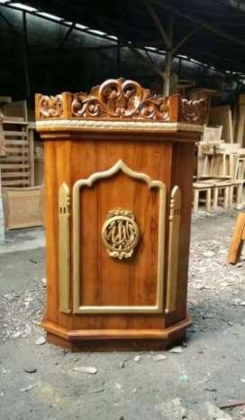Mimbar pidato masjid/musholla