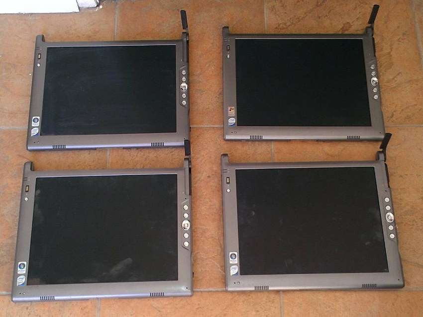 PC tablet (Motion Computing LE1700) its like New..  With Pen Touch 0