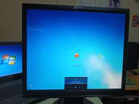Monitor , 17 inches