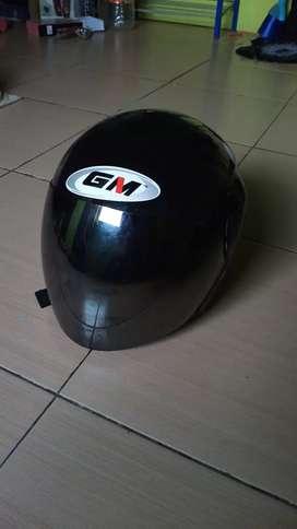 Helm GM kaca silver