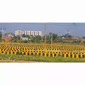 Well developed site in main faizabad highway behind BBD university