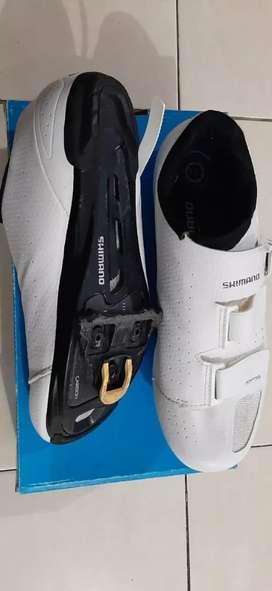 Jual sepatu Shimano RP5 carbon road bike MTB  no 43 plus clear Shimano