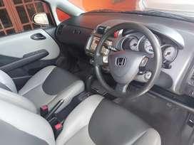 dijual Honda Jazz 1.5 i-DSI Matic