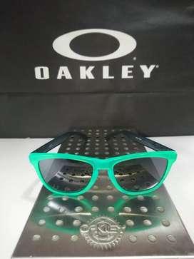 Oakley Frogskins Blacklight Original Kacamata