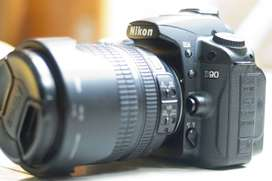 Nikon D90 + Lensa 18-105mm (kit) Terawat