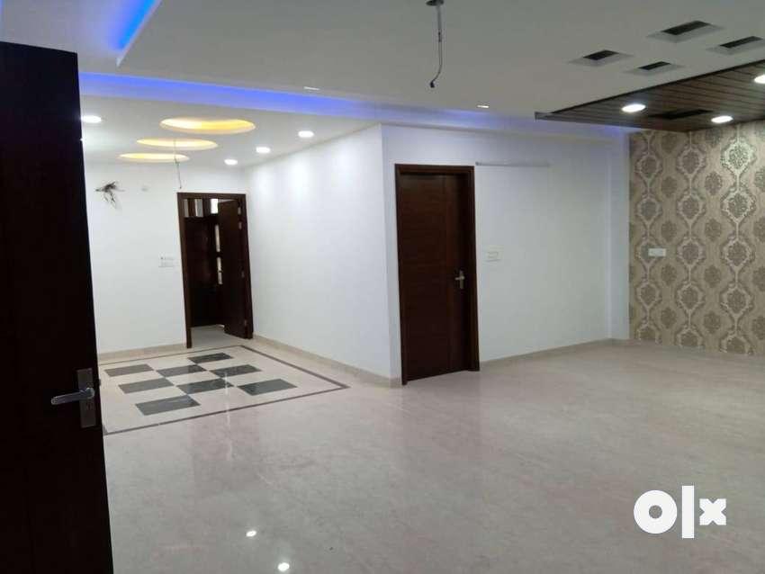4bhk builder floor in sector 23 rohini 0