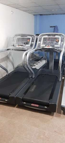 Startrack commercail treadmil Display pieces