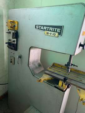 Startrite Vertical Bandsaw - Cutter in running condition