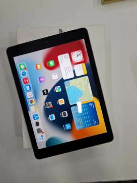 Apple IPad 5th Gen 32gb wifi+Cellular in Excellent condition
